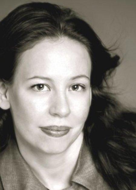 Jena Pincott